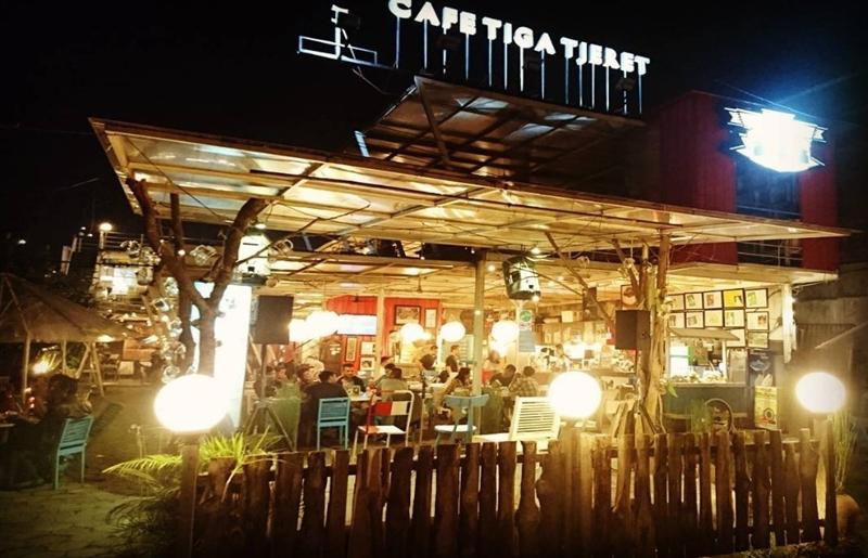 Café Tiga Tjeret