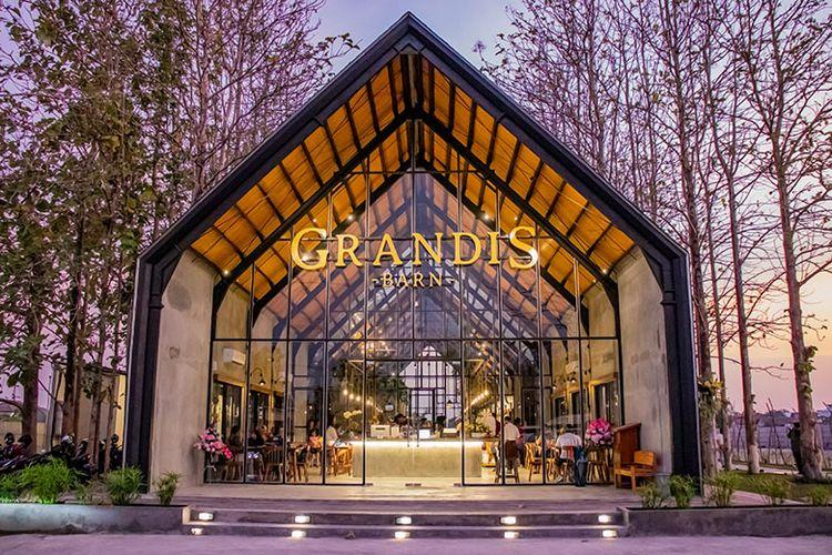 Grandis Barn
